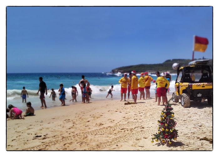 christmas-tree-on-beach