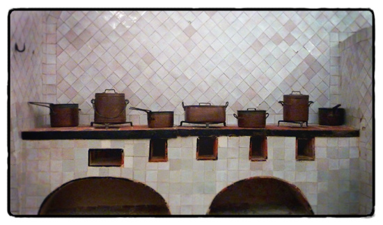 kitchen-palacio-nacional-sintra