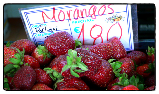 market-strawberries